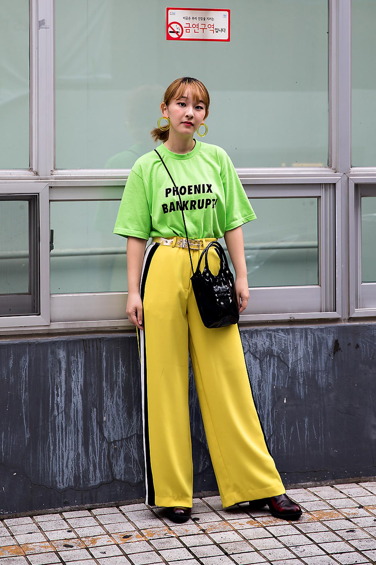 Fukutasaya, Street Fashion 2017 in Seoul.jpg