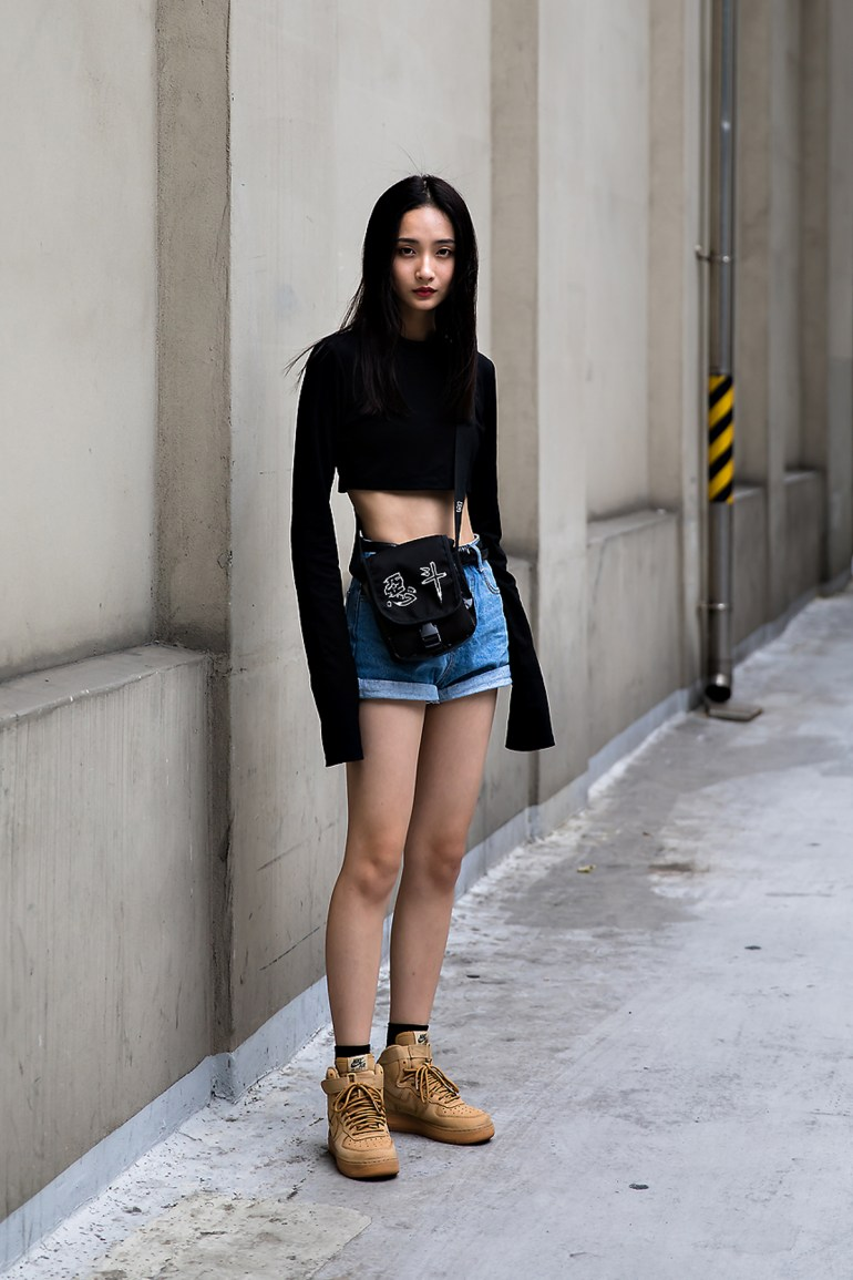 Hade, Street Fashion 2017 in Seoul.jpg