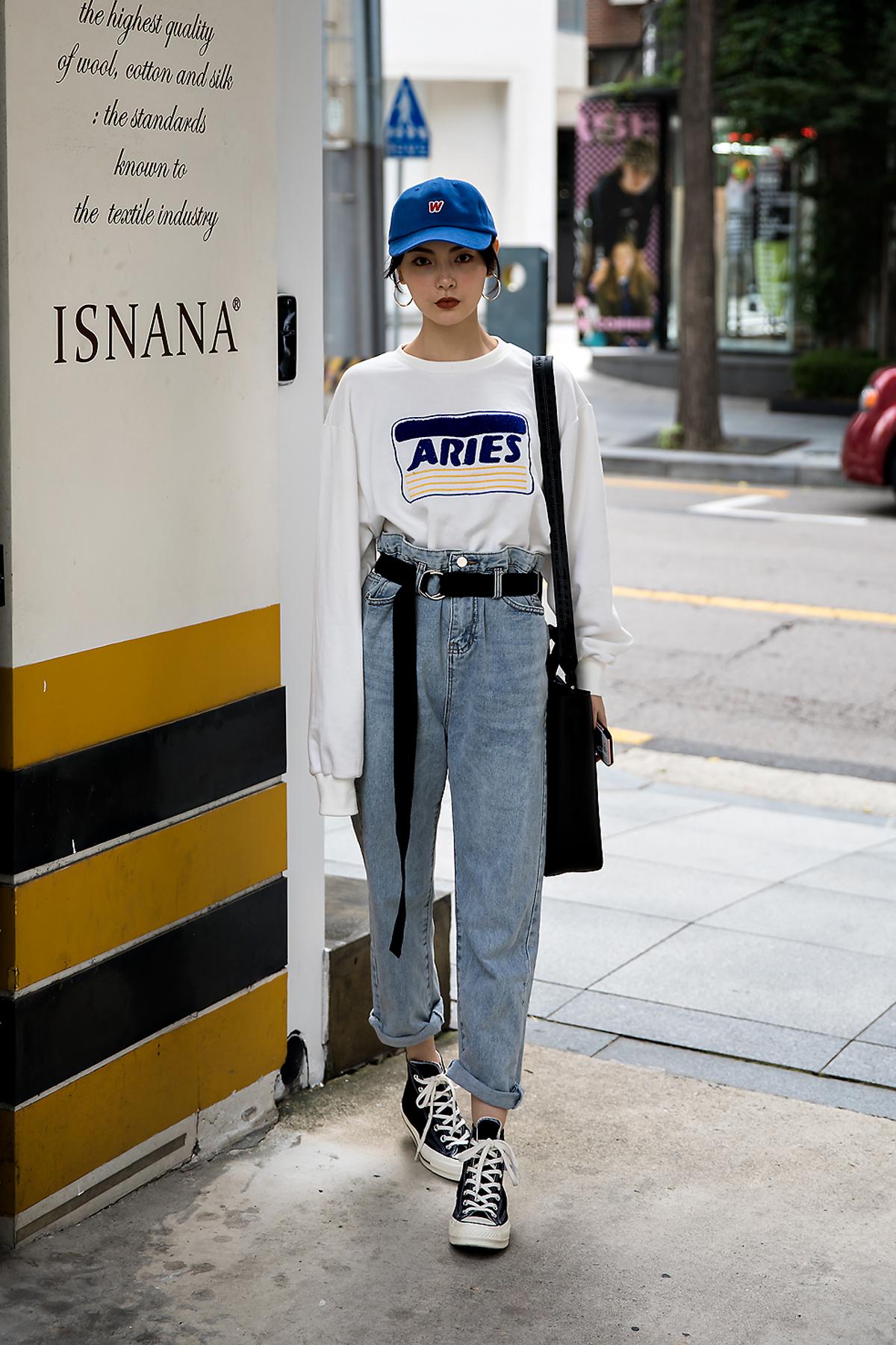 Jelly Zhao, Street Fashion 2017 in Seoul.jpg