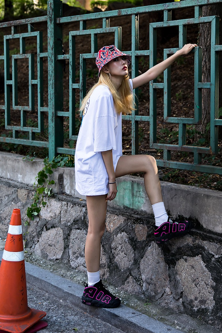 Kim Eunji, Street Fashion 2017 in Seoul.jpg