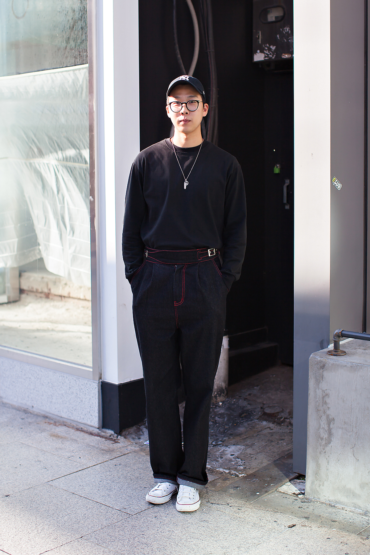 Kim Hyungkyu, Street Fashion 2017 in Seoul.jpg