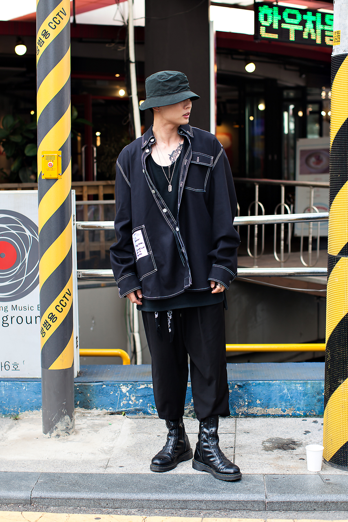 Kim Taesung, Street Fashion 2017 in Seoul.jpg