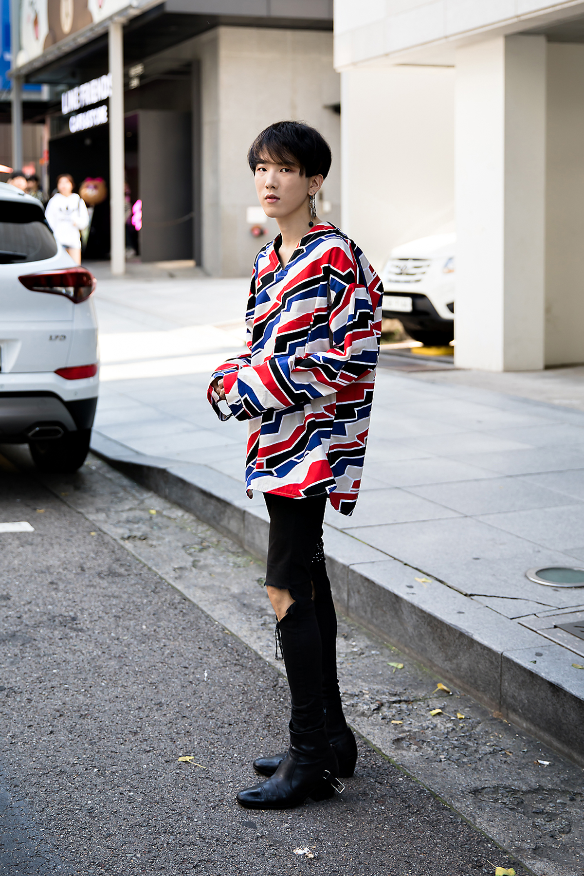 Lee Haedong, Street Fashion 2017 in Seoul.jpg