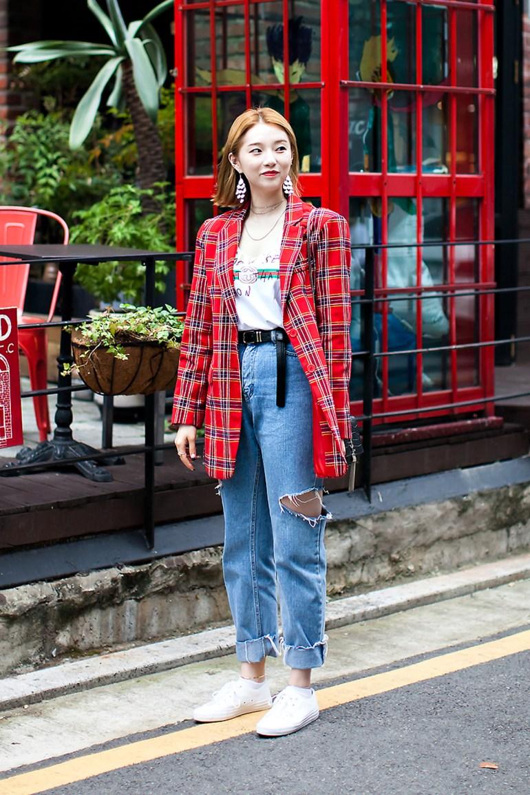 Lee Sunwoo, Street Fashion 2017 in Seoul.jpg