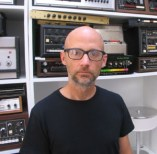 Moby-lookRIght-Cropped-300