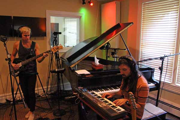 Mutual Benefit Live on Echoes