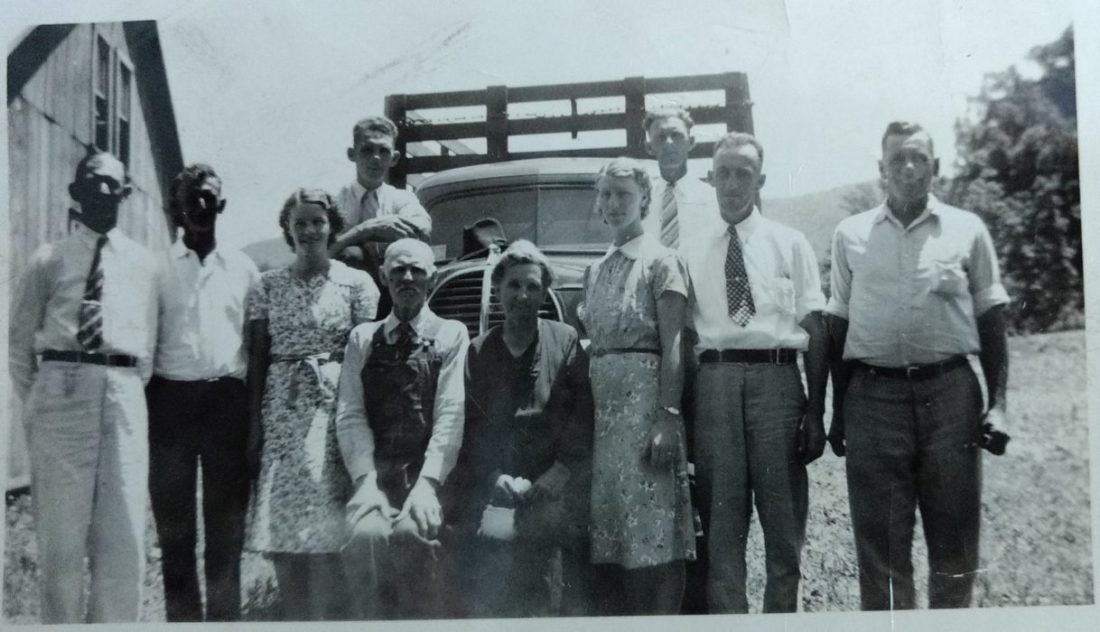 Front Row-Ernest, Minor, Minnie, Grandad, Grandma, Carmel, Luther, BallardBack Row-Paris and Dorsey