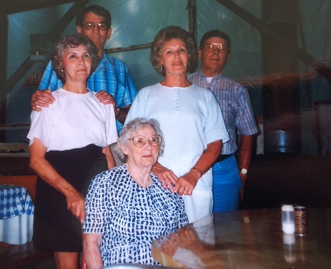Kak and husband Donnie, Hilda and husband Fred, and Granny