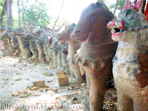 Puravi - terracotta Votive figures of Horses