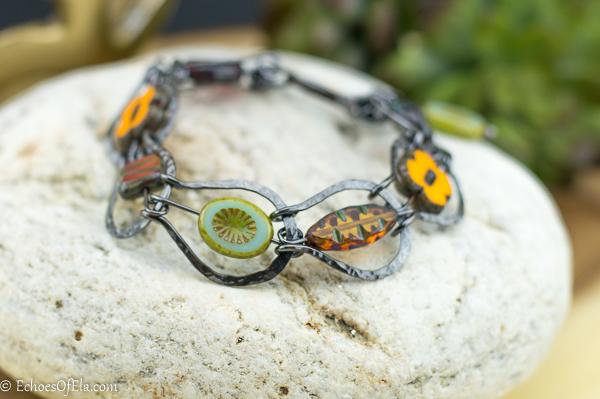 copper-horseshoe-floral-bracelet