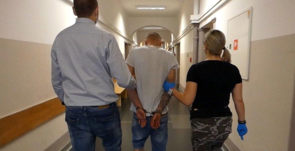 Policja zatrzymała sprawcę podejrzewanego o napad na bank w Czarnowąsach 1