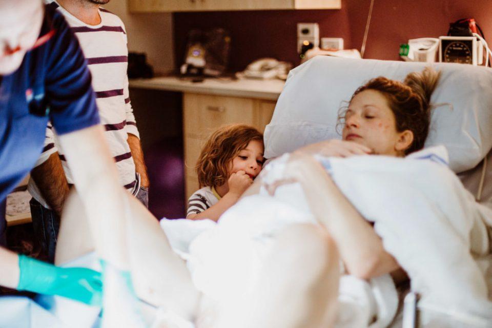 Birth Story Sutherland Shire - Siblings present at a birth