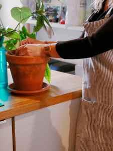 Tablier en lin lavé marin rayures blanc et gris- Échoppe Végétale