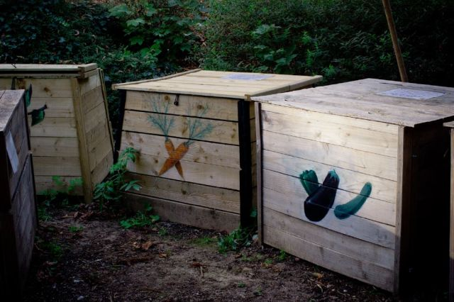 Bac de compostage- Copyright- J.J. Fasquel