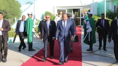 صورة عودة رئيس الجمهورية بعد غياب عشرة أيام في مكان لم يعلن عنه