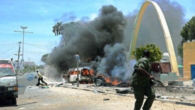 صورة قتلى وجرحى في هجوم لحركة الشباب الصومالية  على فندق وسط العاصمة  مقديشو
