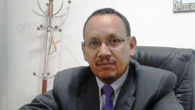 صورة بعد تسلمه تقرير التحقيق في فضيحة سونمكـس ولد عبد العزيز يقيل مدير شركة إسنيم