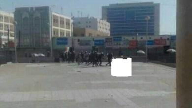 صورة موريتانيا: أنباء عن توقيف شاب ظهر في فيديو بعد أن عراه الأمن ملابسه