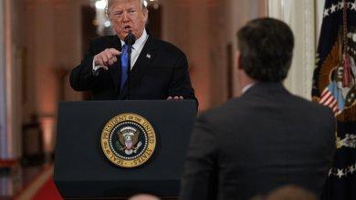 """صورة 12 مؤسسة إعلامية تدعم """"سي .إن. إن"""" ضد ترامب"""