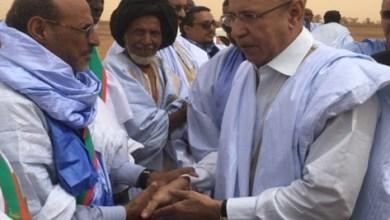 صورة عمدة شكار يستقبل ولد الغزواني في بوكى بإسم حلف الجنرال محمد  ولد مكت