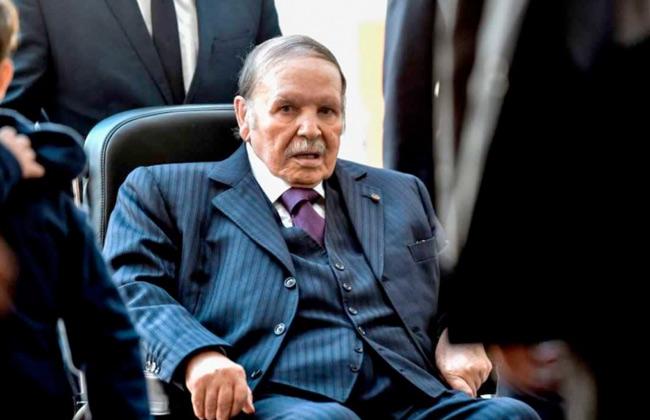 صورة الإعلان عن وفاة الرئيس الجزائري الأسبق عبد العزيز بوتفليقة