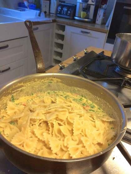 pasta en saus altijd mengen