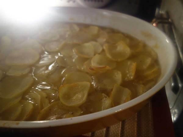 Aardappelgratin-gezond-bouillon