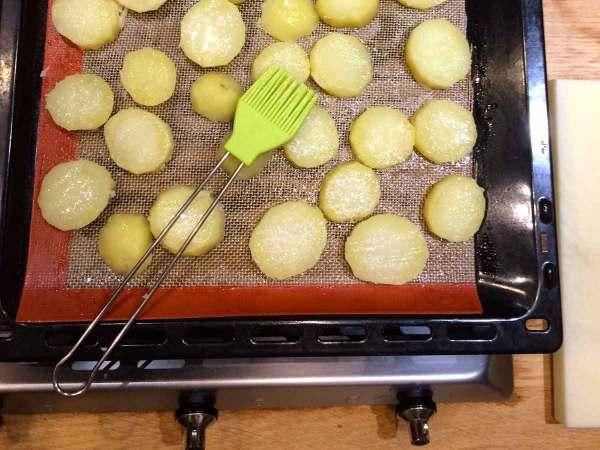 Gebakken aardappelen met borsteltje