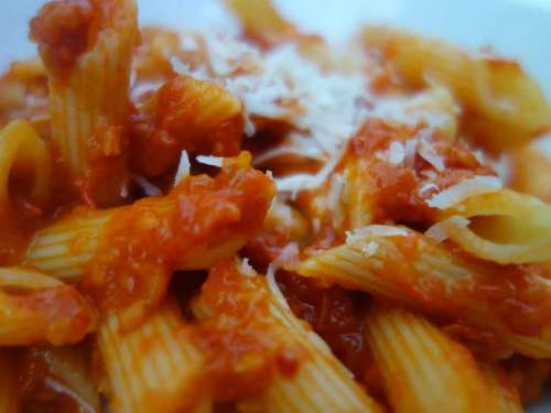 penne-all'arrabbiata met kerstomaatjes-in-de-oven-detail