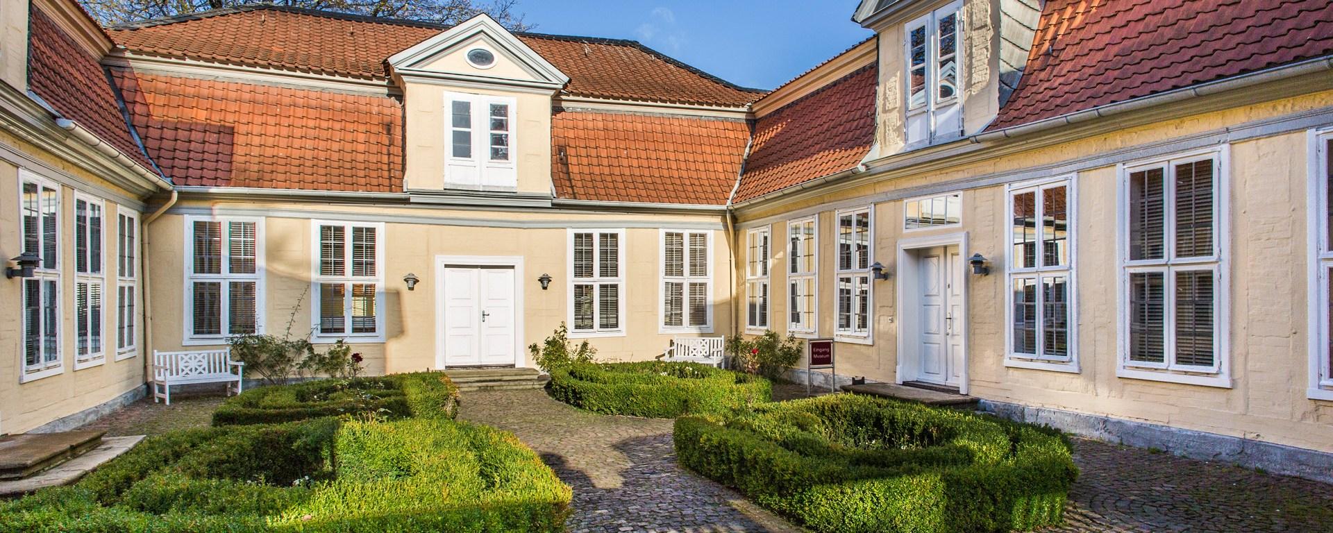 Das Lessinghaus und der Eingang zum Museum