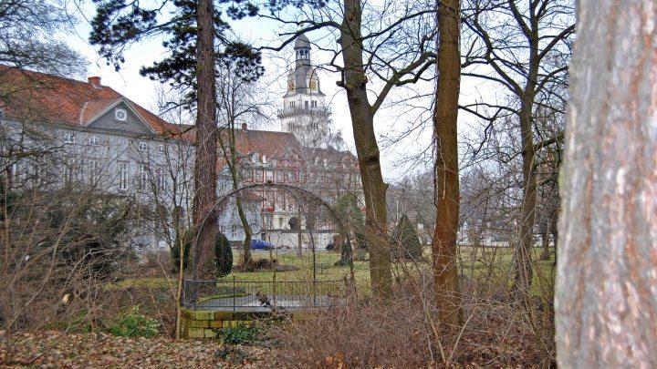 Wallanlagen: Durchblick zum Schloss