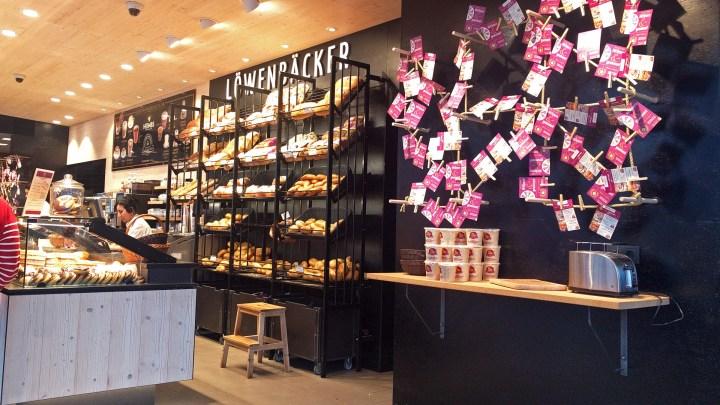"""Auf den ersten Blick eine """"normale"""", moderne Bäckereifiliale"""