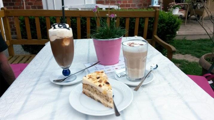 Kaffee und Kuchen im Café Zuckerstube