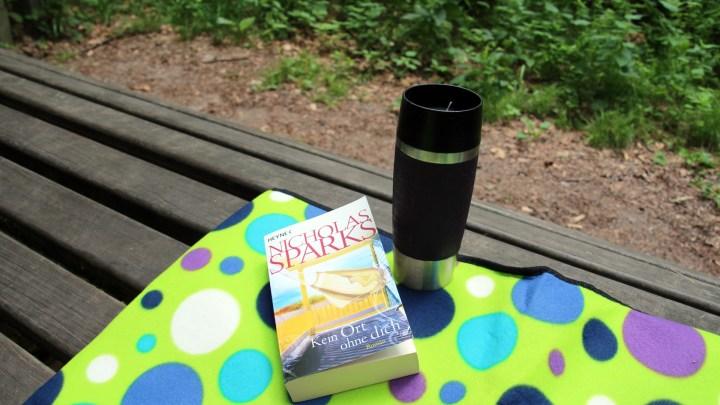 Mit Buch, Decke und Kaffee lässt es sich hier gut aushalten