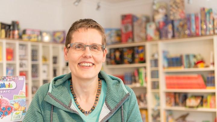 Britta Michel vom Spielwarengeschäft Entdeckerladen.