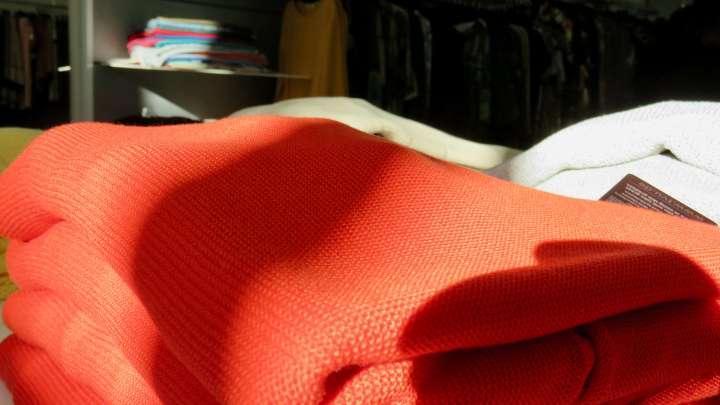 Bunte Farben udn tolle Stoffe machen Lust zum Stöbern.