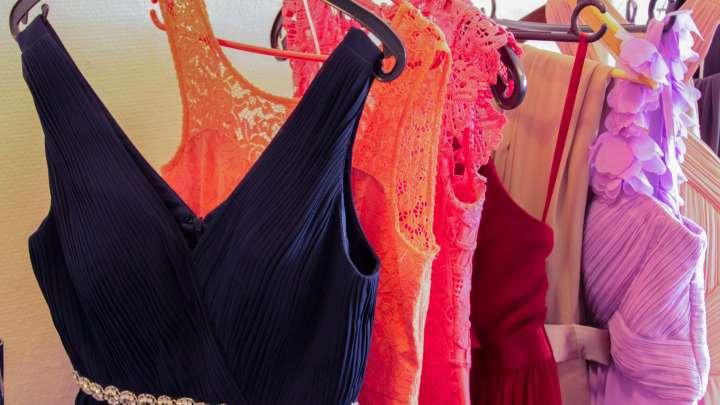 Kleidervielfalt für jeden Geschmack und Anlass.