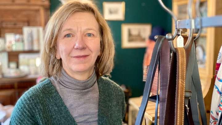 Bei Ilona Fricke in der »Antiquitäten- und Kaffeestube« gibt es immer allerlei zu entdecken - nicht nur auf den letzten Drücker.