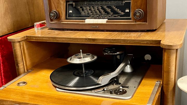 Alte Kuba-Musiktruhen lassen die Herzen von Musikliebhabern höher schlagen.