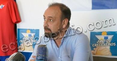Carlos Conejero, el ya ex-técnico del Écija Balompié, se despide en una carta