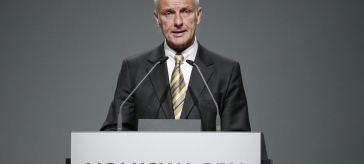 VW-Chef Matthias Müller spricht bei der Hauptversammlung 2016 vom Podium, Quelle: Volkswagen AG
