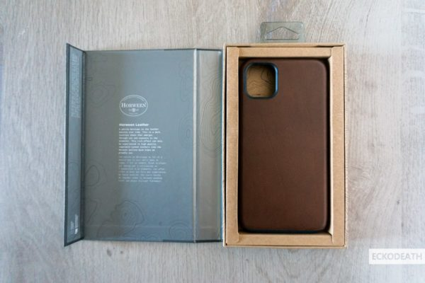 Nomad Rugged Case Brown unboxing-3-min