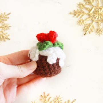 Figgy Pudding Ornament FREE Crochet Pattern by E'Claire Makery