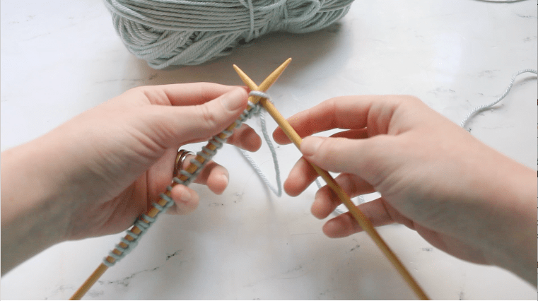 Knit Academy: How to Knit the Knit Stitch Knitting Tutorial by ECLAIREMAKERY.COM