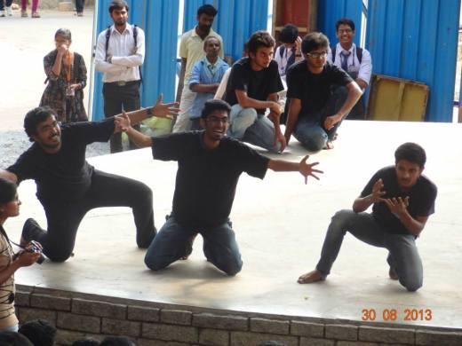 Paisa Vasoool - MadAds Team