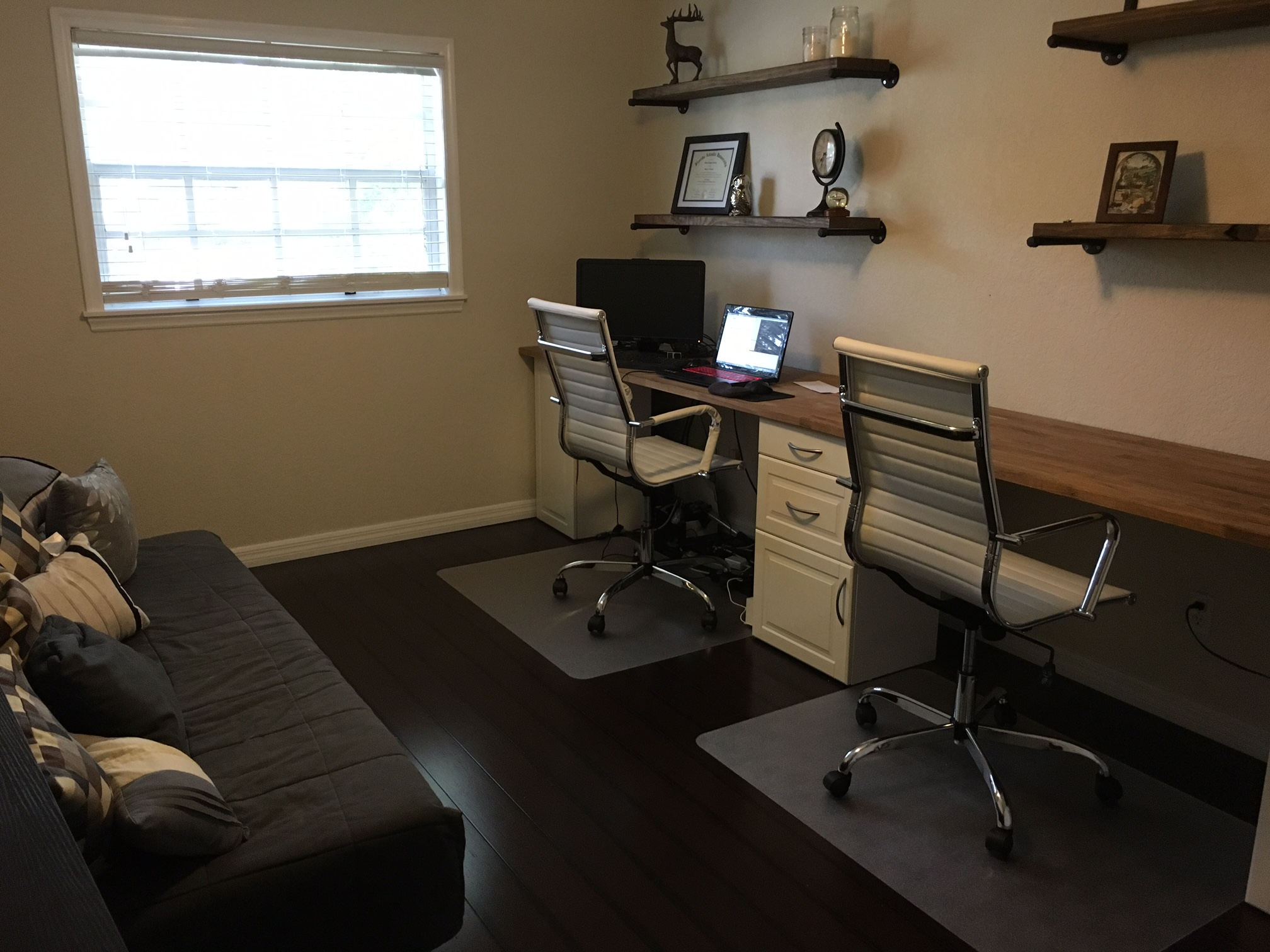 diy office space. I Had Looked Up DIY Office Spaces Online And A Lot Of Them Call For You To Cut Out Your Baseboards Install Cabinets. Wanted My Look Like Diy Space B