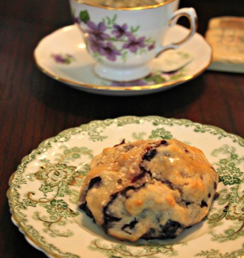 Blueberry scones with maple glaze