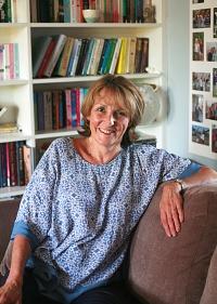 Julie Caplin Bookshelf