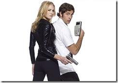 (l-r) Yvonne Strahovski as Sarah Walker, Zachary Levi as Chuck Bartowski