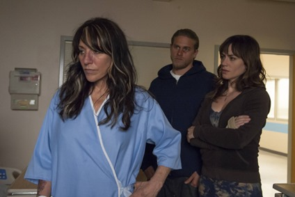 SONS OF ANARCHY-- Ablation -- Episode 508 (Airs Tuesday, October 30, 10:00 pm e/p) -- Pictured: (L-R)  Katey Sagal as Gemma Teller-Morrow, Charlie Hunnam as Jackson 'Jax' Teller, Maggie Siff as Tara Knowles -- CR: Prashant Gupta/FX